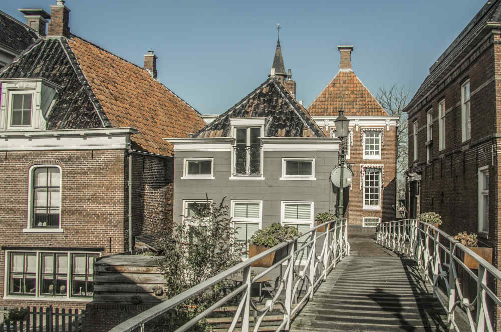 Moving from UK to Netherlands - buying a house